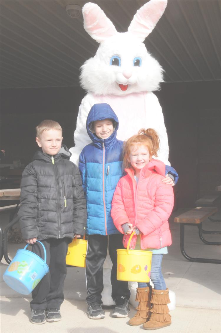 Picture of children with Easter Bunny